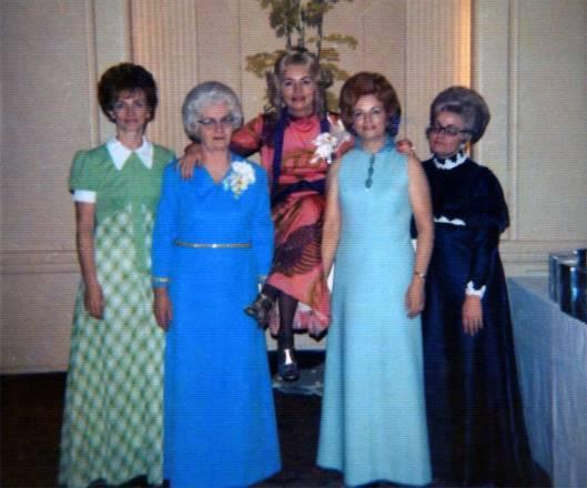 Elsie & her daughters.