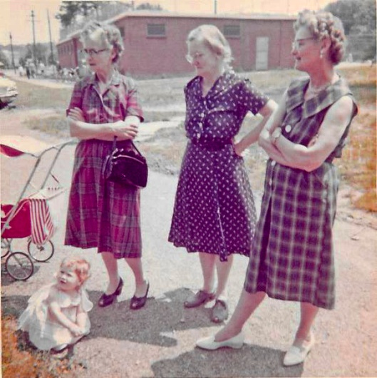 Jennie (left) with sisters, Mary and Goldie.