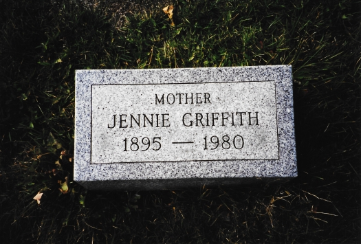 Jennie Beadnell Griffith Tomb.jpg